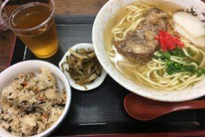 東海地方最大規模の沖縄のアンテナショップ「沖縄宝島 名古屋店」。野菜・フルーツ&冷蔵・冷凍食品、お菓子&雑貨&かりゆしウェア、、、、。沖縄県内より、沖縄のものがそろってます