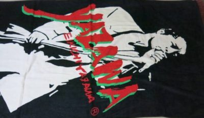 ビーチタオル シルエット 筆ロゴ 黒/白/赤